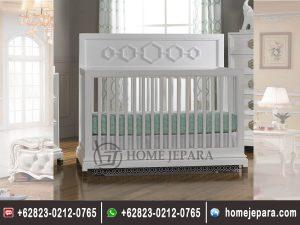 Tempat Tidur Bayi Perempuan,